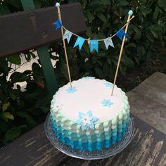 Frozen cake / petal cake