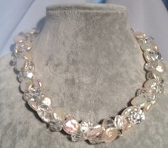 Necklace - coin pearl with quartz - White