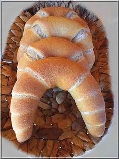 Hungarian Recipes, Hungarian Food, Bread Rolls, Naan, Croissant, Apple Pie, Bread Recipes, Sweets, Cooking