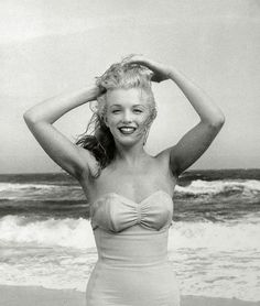 Marilyn Monroe photographed by Andre De Dienes, 1949.