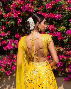 If we could have crushes on lehengas, (which we do time and again), our latest one would be on mirror work lehengas. Sitting and browsing through pretty mirror work lehengas has become our new hobby,. Fancy Blouse Designs, Saree Blouse Designs, Choli Designs, Indian Attire, Indian Wear, Indian Dresses, Indian Outfits, Indian Clothes, Lehenga Choli With Price