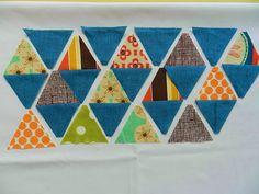 DIY Quilt Triangles Tutorial // Molly Flanders: Pyramid Quilt