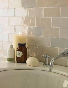 Cevica Metro Fliesen und mehr – Galerie der Fliesen und Natursteine Cevica Metro Tiles and more – Gallery of Tiles and Natural Stones Cream Bathroom, Small Bathroom, Modern Bathroom, Dark White, Glazed Brick, Topps Tiles, Brick Tiles, Tiles Uk, Wall Tiles