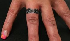 Wedding Ring Tattoos For Couples | ... tattoo design carved on the ring finger makes for an elegant ring