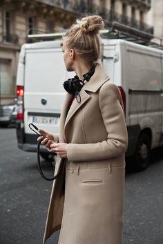 ♡☼⁀⋱‿✿★☼⁀ ♡ Paciência não é carregar e aguentar até não poder mais e explodir. Paciência é a arte de se liberar de cargas emocionais dispensáveis para manter o estado de paz. ========================= lindsey wixson, paris fashion week 12