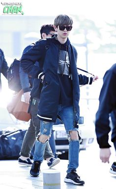 Chanyeol | 150327 Incheon Airport departing for Hanoi