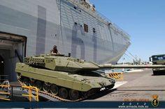 BPE L-61 Juan Carlos I Descarga de un Leopard 2E