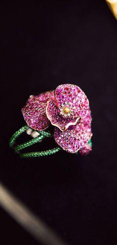 Chopard ~ Poppy Ring, set w 705 Rubies