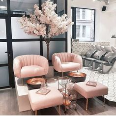 Salon GOALS  #blush #salon #internationalwomensday @glamouruk    #Regram via @thehouseoutfit
