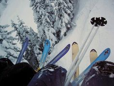 Skis on the lift <3