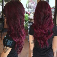 plum burgundy hair color plum burgundy hair color Pensez à los angeles fameuse « tiny gown noire Burgundy Plum Hair Color, Burgendy Hair, Bright Red Hair, Hair Color Purple, Brown Hair Colors, Burgundy Highlights, Vivid Hair Color, Peekaboo Highlights, Color Highlights