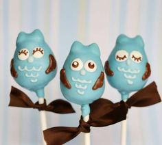 These Blue Owl Cake Pops are Cute and Delicious Desserts #cakepops