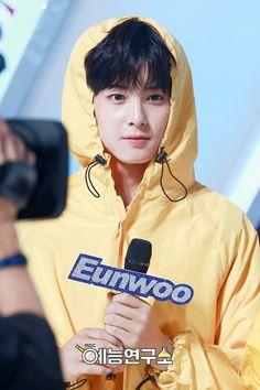 160716 MBC Music Core Official Photos - Special MC #ASTRO #EUNWOO Cha Eun Woo, Cha Eunwoo Astro, Kim Young, Sing For You, Park Bo Gum, Lee Dong Min, Pre Debut, Kim Taehyung Funny, Fandom