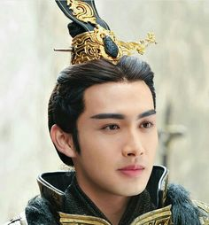 Vin Zhang as Ying Zheng. The most Romantic Asian Drama Ever Chinese Armor, Chinese Man, Kung Jin, Chinese Movies, Peach Blossoms, Asian Actors, Korean Drama, Gorgeous Men, Asian Beauty