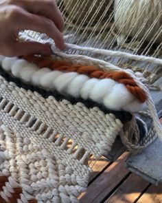 Twining 2019 Just a little video of how to do twining. Hope you enjoy it! The post Twining 2019 appeared first on Weaving ideas. Weaving Loom Diy, Weaving Art, Tapestry Weaving, Hand Weaving, Loom Weaving Projects, Macrame Art, Macrame Projects, How To Do Macrame, Macrame Patterns