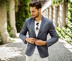 How to Grow From a Shy, Quiet, Self-Doubting Guy into a Strong, Charming, Self-Confident Man Fast Fashion, Mens Fashion, Virgo Men, Tailored Jacket, International Fashion, Men Looks, Trendy Outfits, Guy Outfits, Fashion Brand
