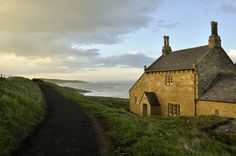 Originally built as a bathing house by Earl Grey in Howick, England, it's now a country cottage Cabana, Monuments, Dunstanburgh Castle, Le Hangar, Northumberland England, Cottages By The Sea, England And Scotland, English Countryside, British Isles