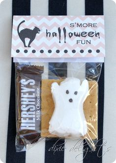 S'more Halloween Fun Treat Ideas and Free Tag