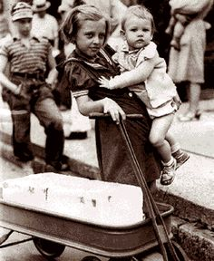 Getting ice from the Salvation Army during the heat wave of 1936. Detroit, MI