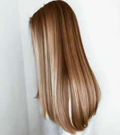 49 hottest hair color trends for 2019 new hair color ideas 23 – JANDAJOSS. Hot Hair Colors, Brown Blonde Hair, Blonde Honey, Honey Hair, Pretty Hairstyles, Hairstyle Ideas, Bridal Hairstyle, Short Hairstyle, Fringe Hairstyle