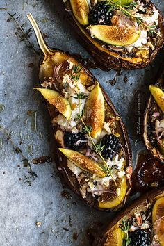roasted eggplant with figs and ricotta Fig Recipes, Raw Food Recipes, Vegetarian Recipes, Foods For Healthy Skin, Bistro Food, Healthy Breakfast Options, Food Platters, Creative Food, Food Inspiration