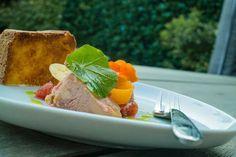 Domáca paštéta - Spoza plota Chicken Liver Pate, Chicken Livers, Foie Gras, Saute Onions, Yummy Cakes, Food Processor Recipes, Toast, Appetizers, Lunch