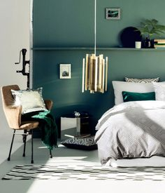 30 Turquoise Room Ideas for Your Home - BOlondon - Houses interior designs Bedroom Green, Green Rooms, Master Bedroom, Single Bedroom, Green Walls, Bedroom Colors, Emerald Bedroom, Green Bedroom Design, Green Painted Walls