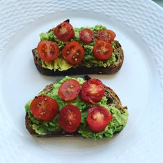 Good morning!  I made my own #avocadotoast today: #quinoa bread from @maisonkayser, smashed #avocado, #tomatoes, squeeze of lemon juice, salt and pepper.