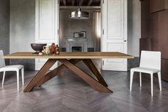 table de salle à manger plateau en bois massif et pieds en acier corten, Bonaldo