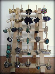 Diy ring display - what a fantastic idea! need to get one at a fabric store thread holder turned into a ring display. you can hang these on the wall too! Diy Rings Storage, Jewellery Storage, Jewelry Organization, Storage Ideas, Craft Fair Displays, Ring Displays, Store Displays, Jewellery Displays, Market Displays