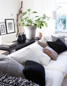 black and white pillows- tan accent