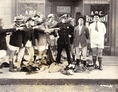 Stan Laurel and Oliver Hardy in Battle of the Century. Laurel Und Hardy, Stan Laurel Oliver Hardy, Norvell, Cinema Ticket, Comedy Duos, Great Comedies, London Film Festival, Classic Tv, Comedians