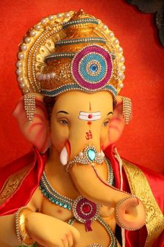 Ganesha is the god of success and a remover of all obstacles for Hindus. Here is a list of 10 most ancient, beautiful and famous Ganesh temples in India. Jai Ganesh, Ganesh Lord, Ganesh Idol, Shree Ganesh, Lord Shiva, Shri Ganesh Images, Ganesha Pictures, Ganesh Temple, Happy Ganesh Chaturthi Images