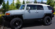 GRAY   FJ CRUISER  | Re: Post Your (non TT) Cement Grey FJ with White Roof Here!