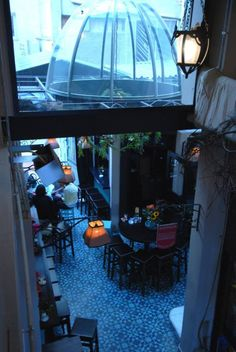 – EN – Coq au Zen is a café, bar & bistro located in the historical center of Thessaloniki. It is well known to be the most elegant and french-y bistro and has won the hearts of eve… Macedonia Greece, Thessaloniki, Coffee Shop, Zen, Aquarium, The Neighbourhood, Travel, Ideas, Coffee Shops