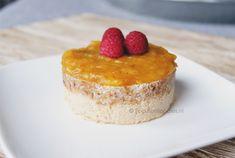Cheat day hoeft niet altijd ongezond te zijn. Met dit recept voor Raw Vegan Mango Cheesecake zonder suiker geniet je volop, zonder je schuldig te voelen.