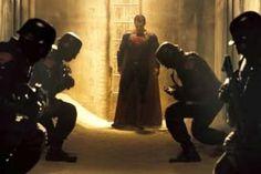 """Batman v Superman"" Bizarre Scene Revealed"