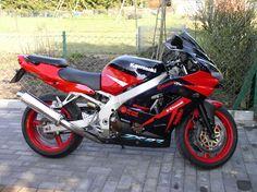 Kawasaki Zx9r, Kawasaki Ninja, Japanese Motorcycle, Kawasaki Motorcycles, Motorcycle Bike, Zoom Zoom, Cool Bikes, Motorbikes, Racing