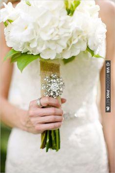 burlap bouquet wrap | VIA #WEDDINGPINS.NET