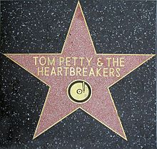"This Day in Classic Rock raymanzareksglasses: "" April Tom Petty & The Heartbreakers get a star on the Hollywood Walk of Fame "" Music Stuff, My Music, Rock Music, King Bee, Roy Orbison, The Dancer, Rockn Roll, Rock Legends, Stars"