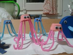 Jellyfish with pipe cleaners and egg cartons