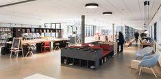 De bibliotheek in het Kruispunt – Barendrecht Foyer, Conference Room, Basketball Court, Restaurant, Table, Furniture, Home Decor, Decoration Home, Room Decor