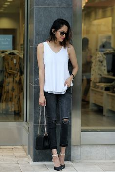 Classic Look   Classic Chic   Black and White   Ripped Jeans