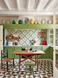 Green & White Kitchen in Carmona, Seville, Spain. Designer Javier Gonzalez Sanchez-Dalp.  From... http://nicety.livejournal.com/1565355.html