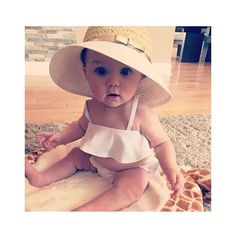 Tessa) look at my baby girl Baby Kind, Baby Love, So Cute Baby, Pretty Baby, Beautiful Children, Beautiful Babies, Beautiful Eyes, Baby Pictures, Baby Photos