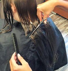 Long Hair Cuts, Long Hair Styles, Cutting Hair, Hair Falling Out, Capes, Hairdresser, Scissors, Dreadlocks, Beauty