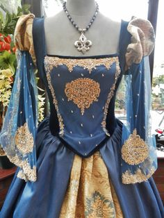 Custom made renaissance Medieval gown with matching headress & hooped underskirt Anne Bolyne Tudor queen fairy princess stage party banquet