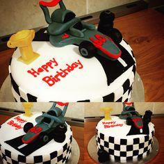 Formula 1 cake Kokos Cupcakes, Formula 1, Happy Birthday, Desserts, Food, Happy Brithday, Tailgate Desserts, Deserts, Urari La Multi Ani