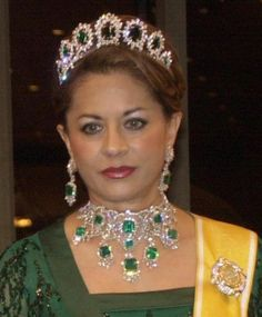 Sultanah Kalsom of Penang, Malaysia wearing emeralds and diamonds in full force.