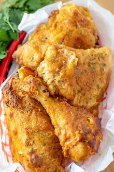 Who doesn't love fried chicken? How about a slightly healthier version with this easy Oven Fried Chicken recipe! chicken recipes Oven Fried Chicken - A delicious family favorite recipe! Chicken Leg Recipes Oven, Oven Baked Fried Chicken, Good Fried Chicken, Fried Chicken Breast, Fried Chicken Recipes, Fried Chicken Drumsticks, Simple Fried Chicken Recipe, Oven Baked Drumsticks, Oven Fried Chicken Thighs